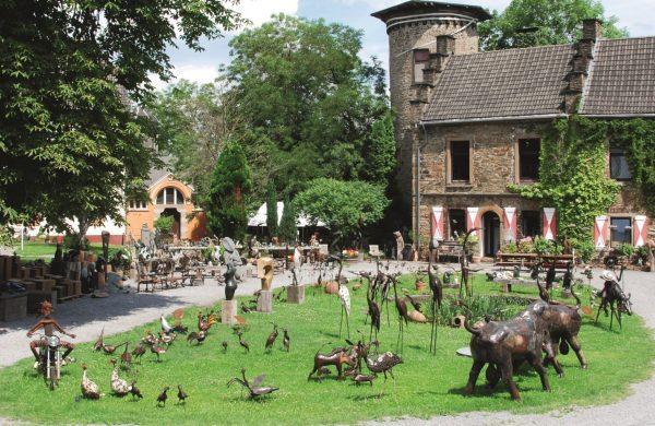 Shona Art Auf Schloss Steinhausen